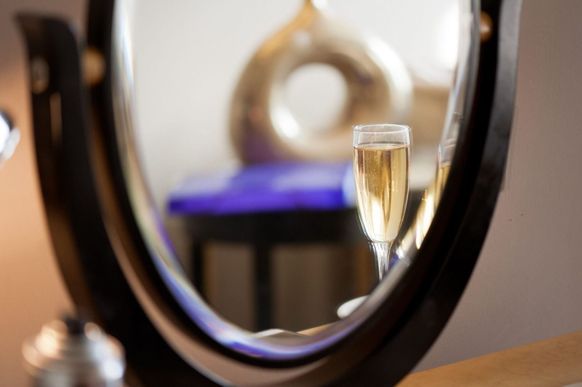 Prosecco at Kings Arms Hotel Wedding