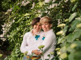 Colourful photography of Bournemouth brides in gardens